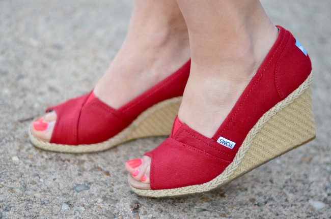 red wedges toms