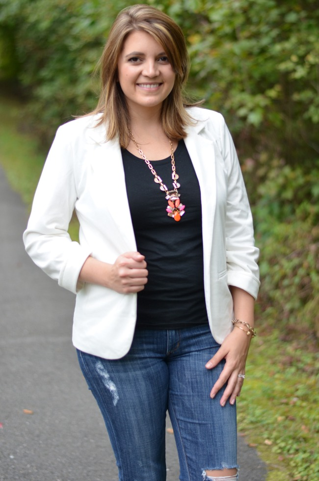 white blazer with jeans