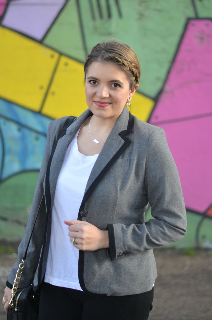 grey tipped blazer with a tee