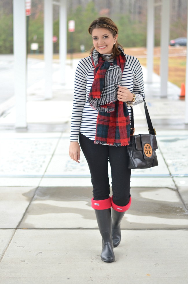 how to wear hunter boots in the winter