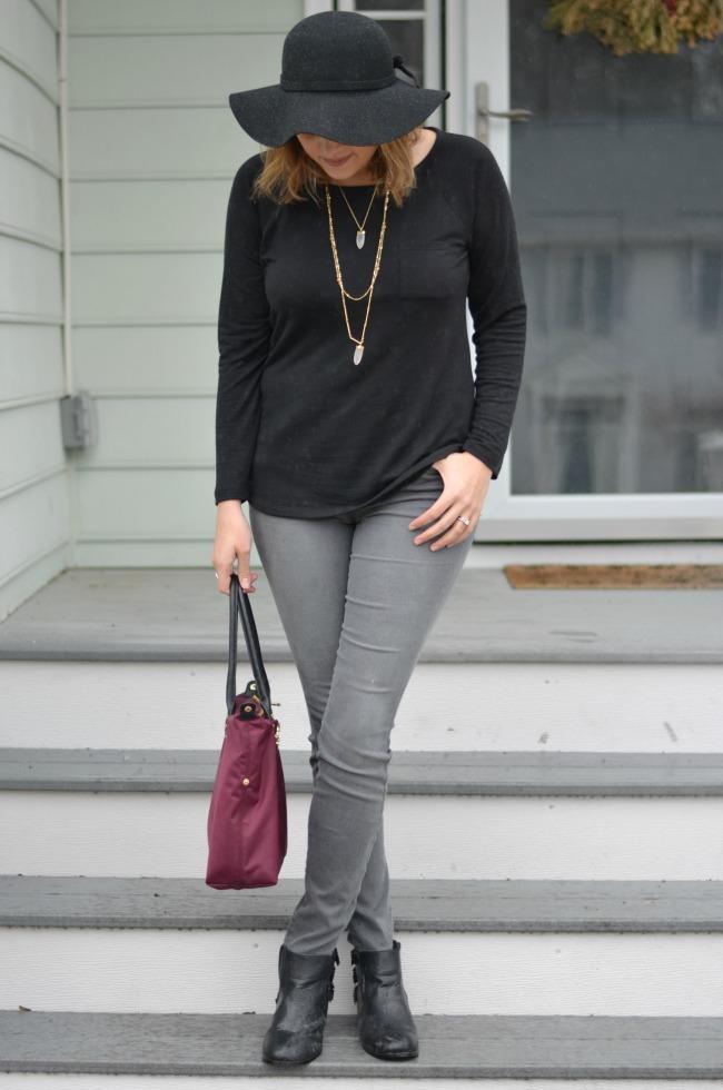 ways to wear grey jeans
