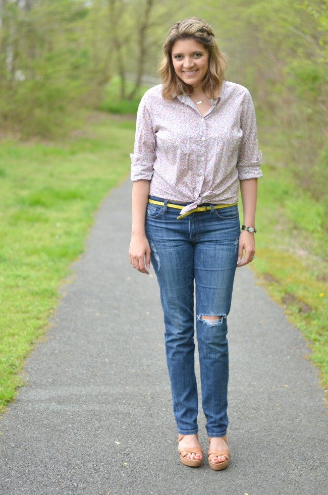knot a button down with jeans