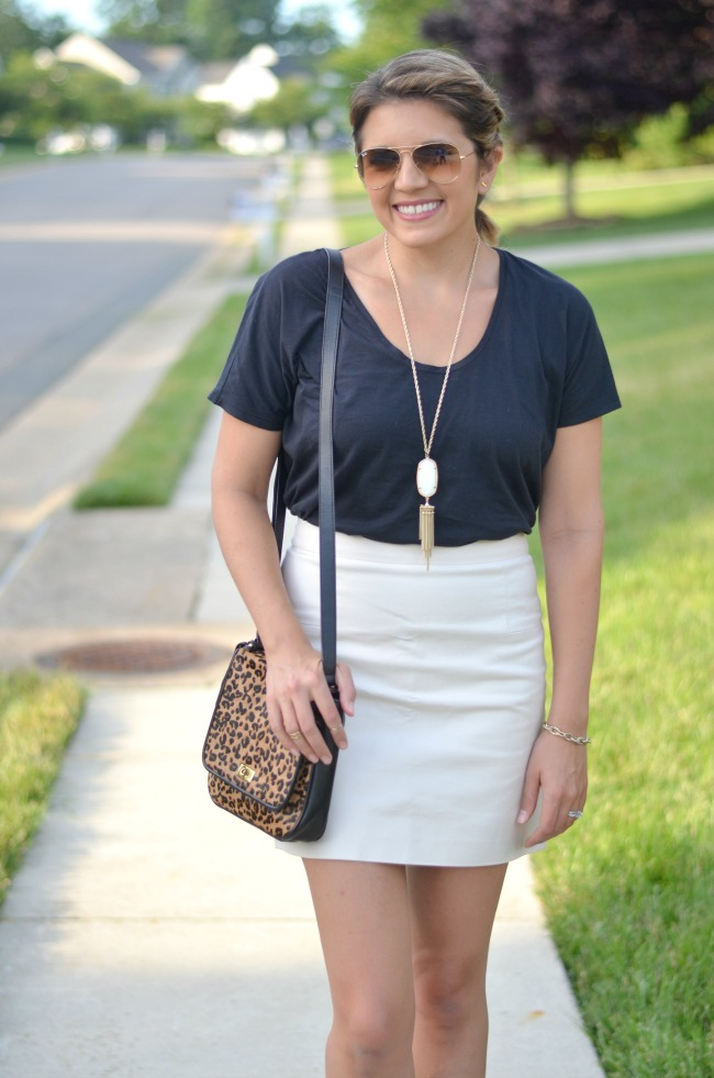 how to wear a mini skirt casually from @fizzandfrosting