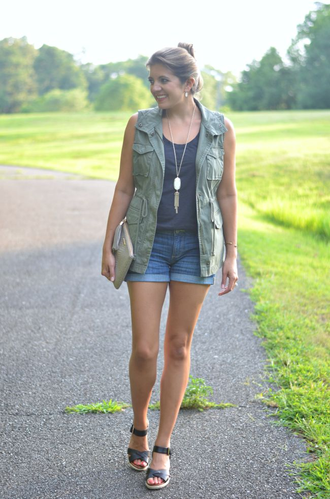 styling a cargo vest for summer via @fizzandfrosting