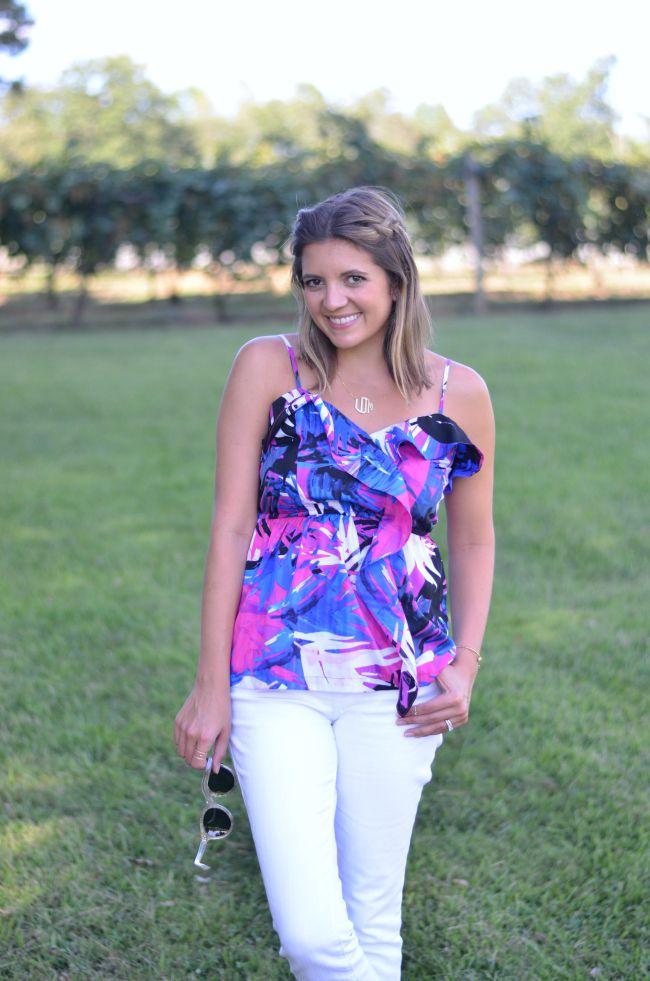 wear tropical prints via @fizzandfrosting