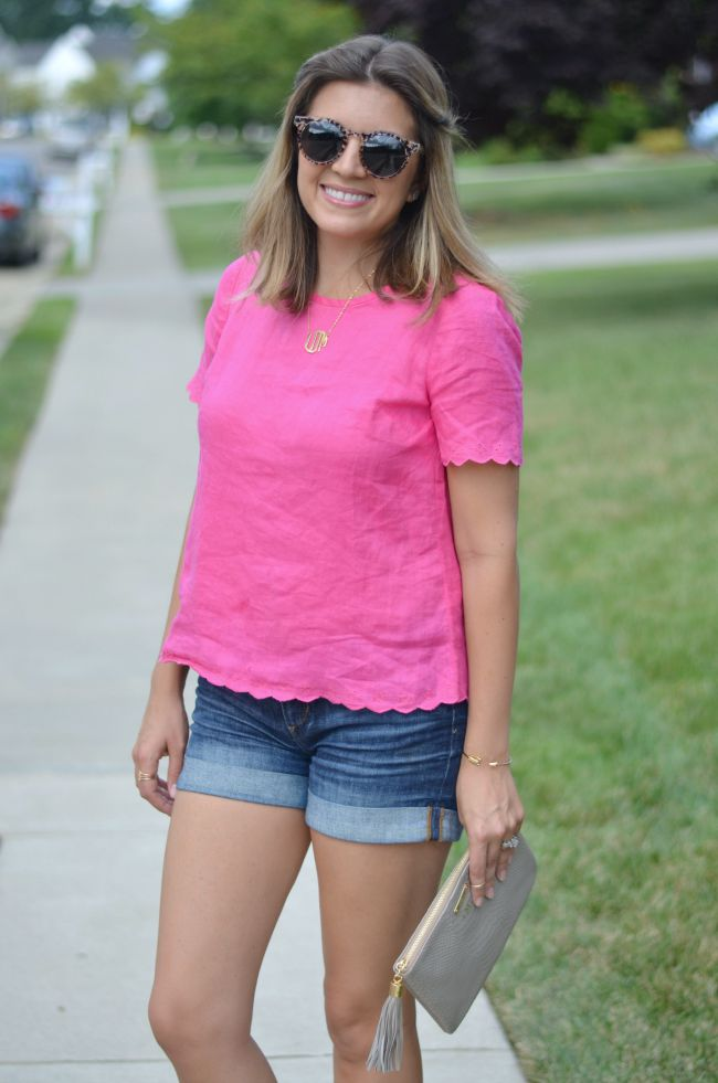 pink scalloped tee with jean shorts via @fizzandfrosting