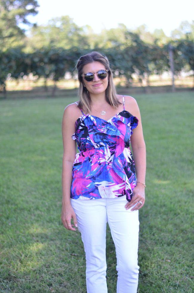tropical print tank top with white jeans via @fizzandfrosting