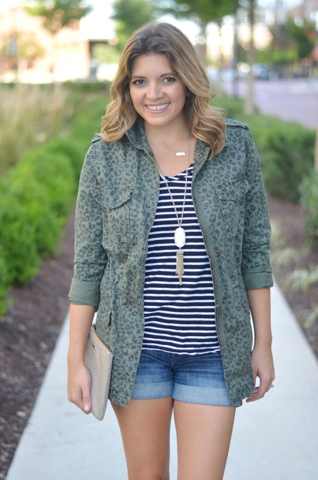 early fall outfit: leopard print cargo jacket and striped tee