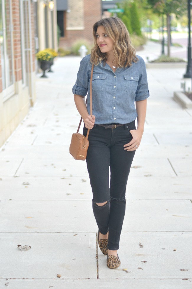 distressed black jeans and chambray via fizzandfrosting.com