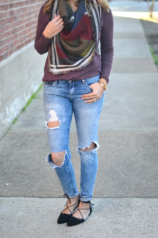 cool fall style: blanket scarf and distressed jeans via fizzandfrosting.com