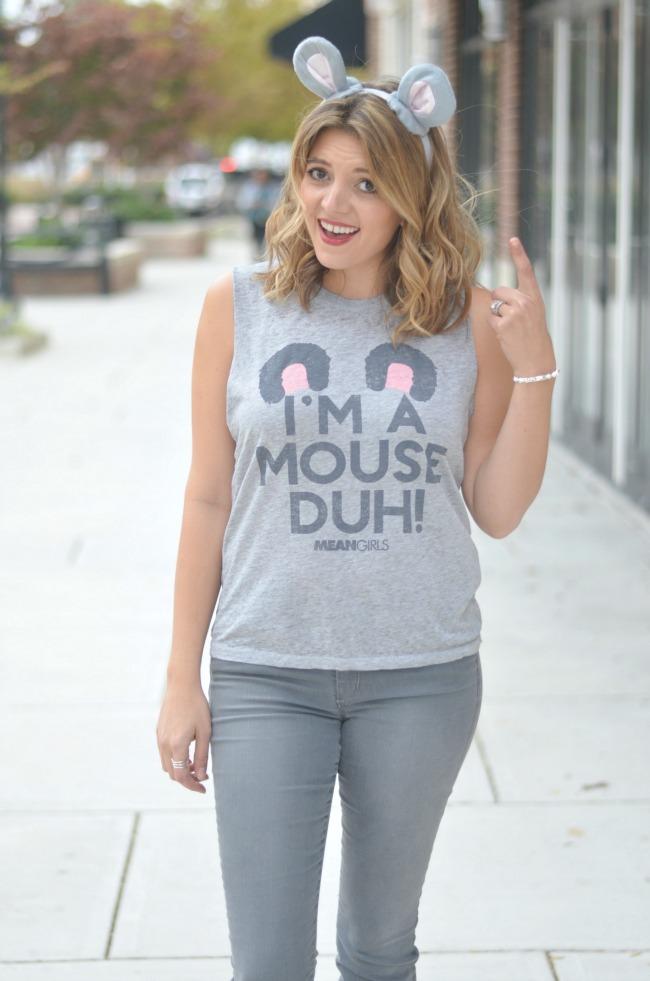 I'm a mouse, duh. Easy Halloween costume via fizzandfrosting.com