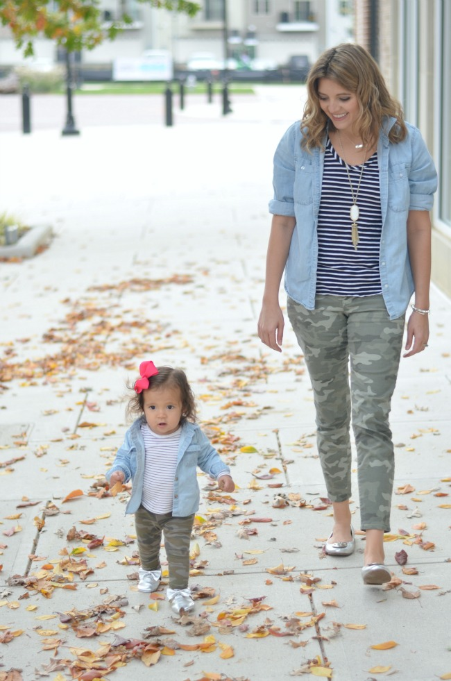 mommy and me matching outfits via fizzandfrosting.com