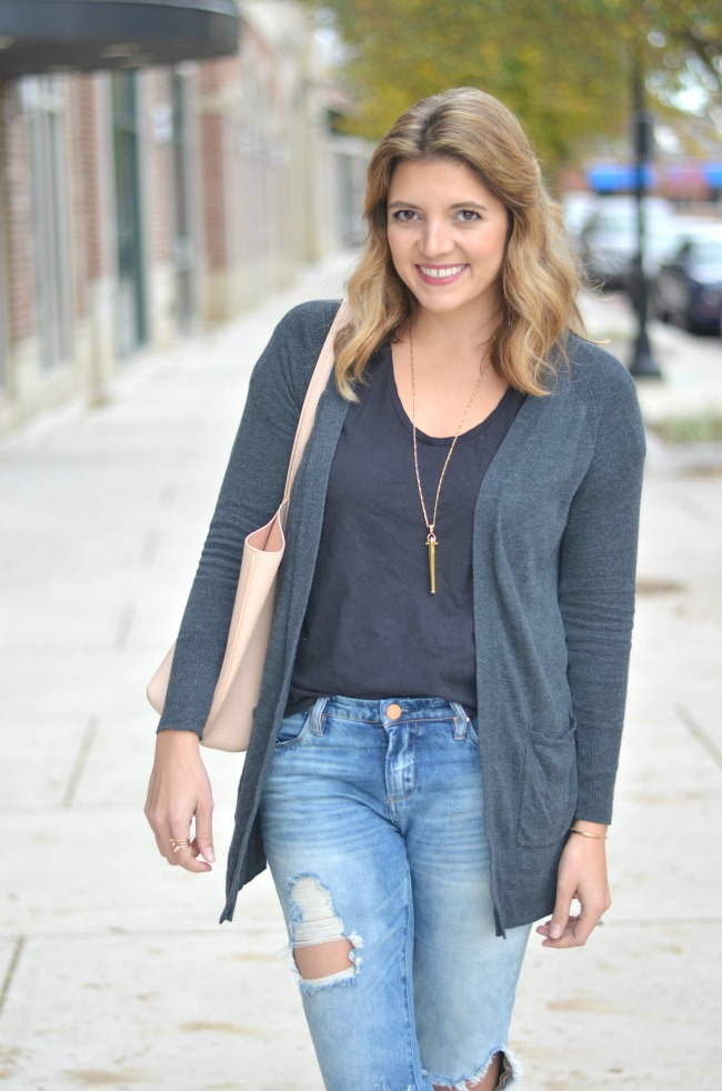 fall casual wear: long cardigan with a tee via fizzandfrosting.com