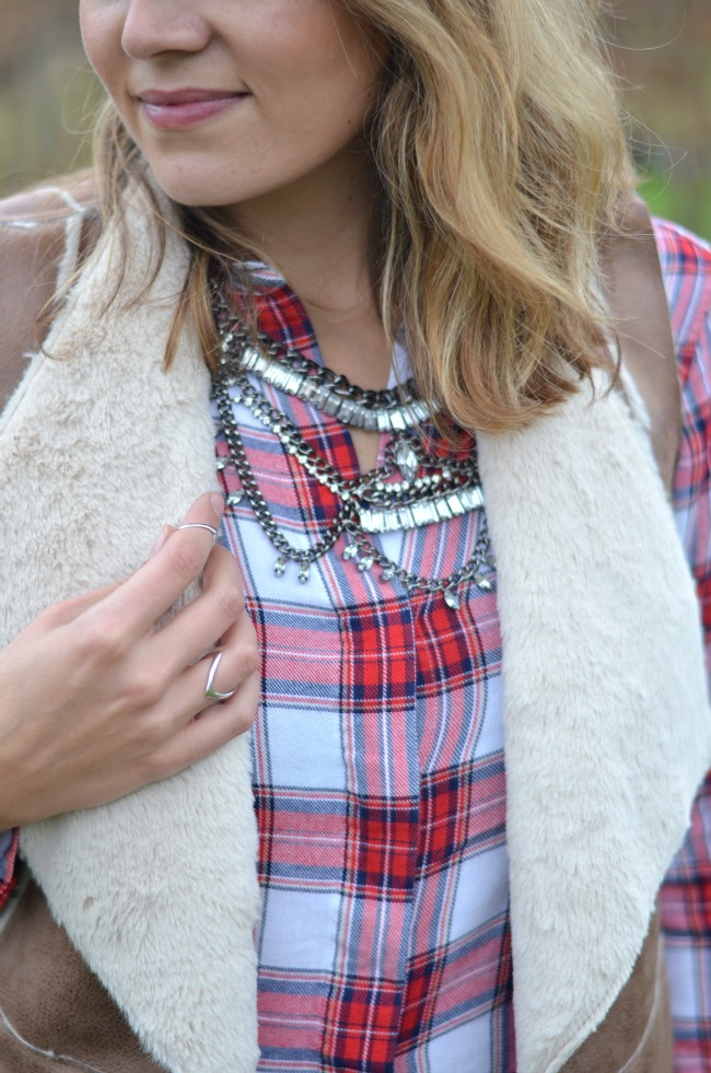 dress up plaid top with sparkly necklace for fall via fizzandfrosting.com