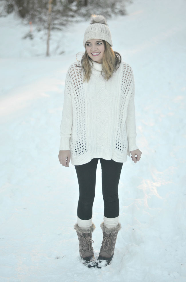 snow day style - oversized turtleneck sweater, leggings, snow boots via fizzandfrosting.com