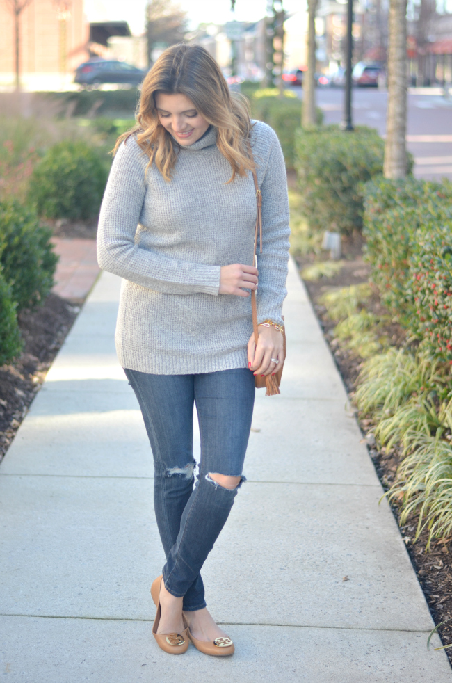chic casual outfit for winter: gray turtleneck with tan accessories via fizzandfrosting.com