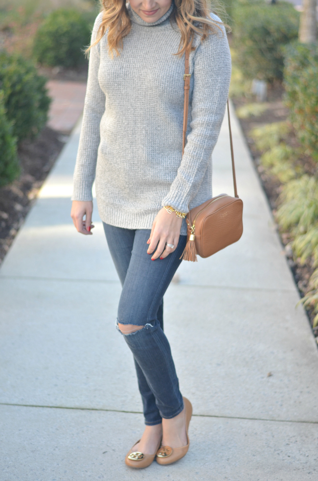 cute winter casual: grey turtleneck, distressed skinny jeans, tan accessories via fizzandfrosting.com