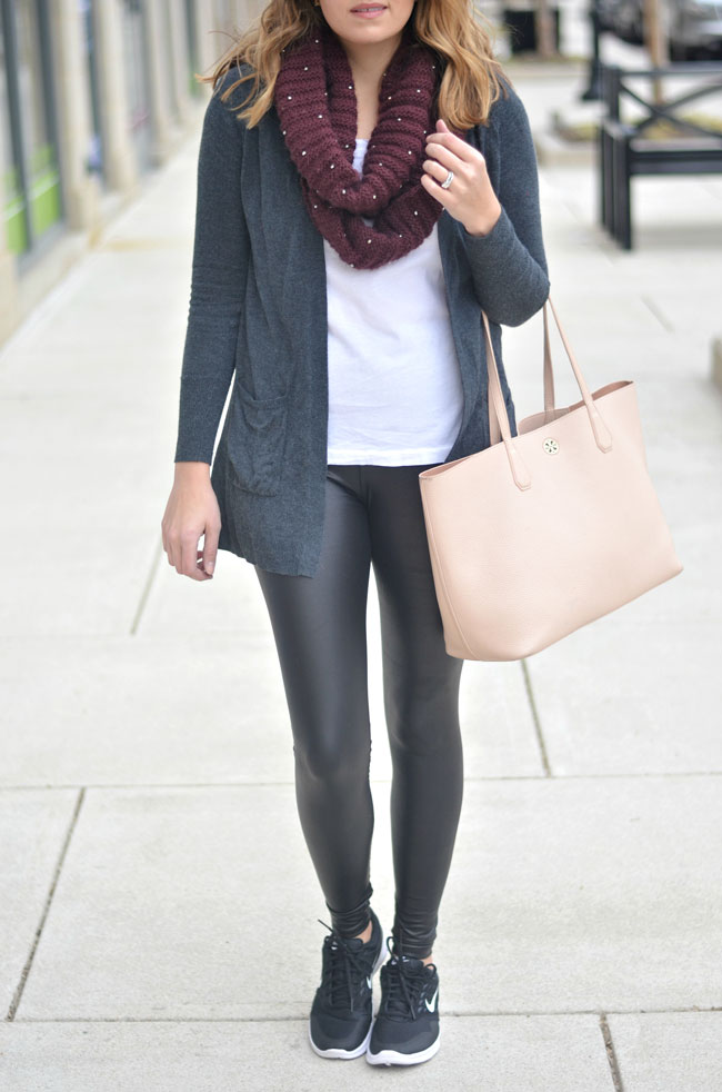 how to wear athleisure | fizzandfrosting.com
