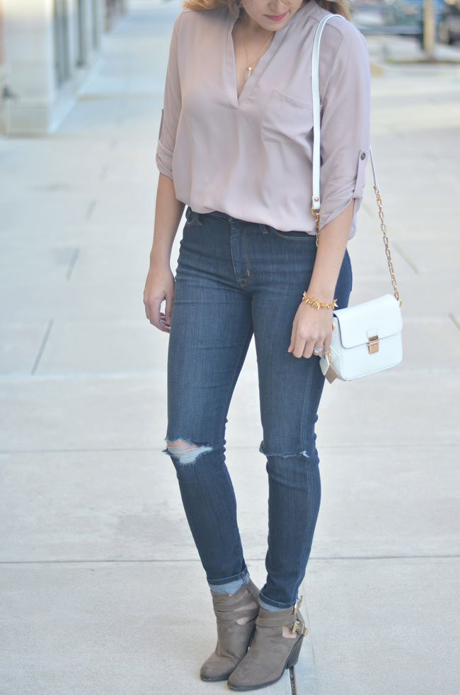 spring style - blush pink tunic, distressed high waist jeans | www.fizzandfrosting.com