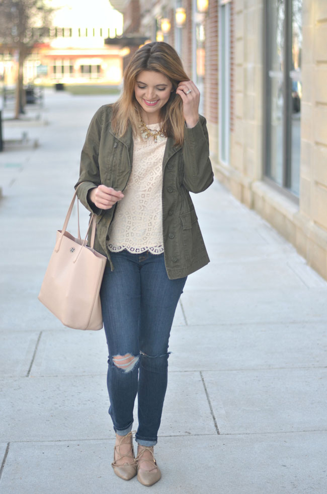 how to wear a cargo jacket for spring | www.fizzandfrosting.com