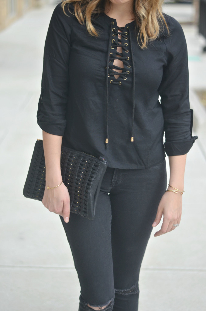 wear all black - lace up tee with distressed skinny jeans | www.fizzandfrosting.com