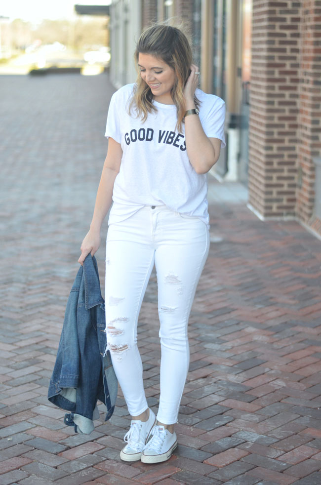 how wear all white: white distressed jeans, good vibes graphic tee | www.fizzandfrosting.com