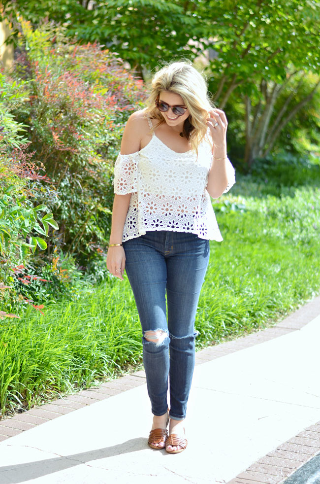 outfit for spring concert - cut out off the shoulder top, distressed jeans, huarache sandals | www.fizzandfrosting.com