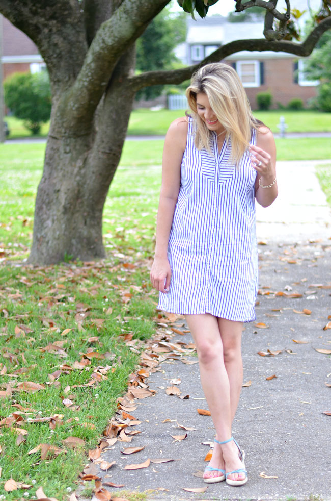 Summer style - striped button down shirtdress | www.fizzandfrosting.com
