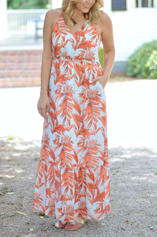 Summer style - H&M palm print maxi dress | www.fizzandfrosting.com