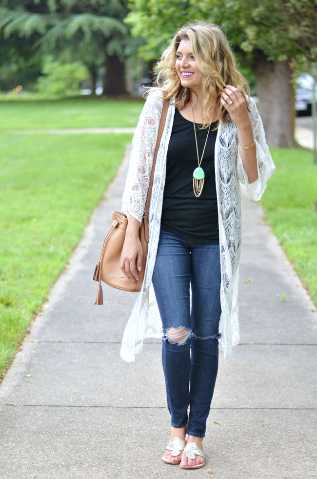 boho chic - long white kimono, distressed skinny jeans, gold jack rogers | www.fizzandfrosting.com