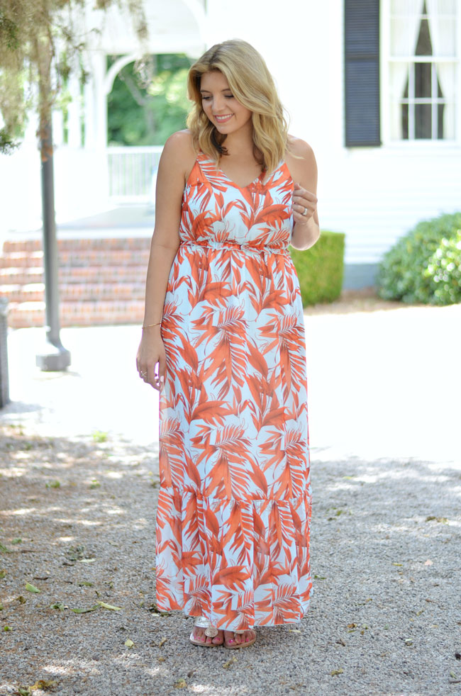 cute summer casual outfit - palm print maxi dress | www.fizzandfrosting.com