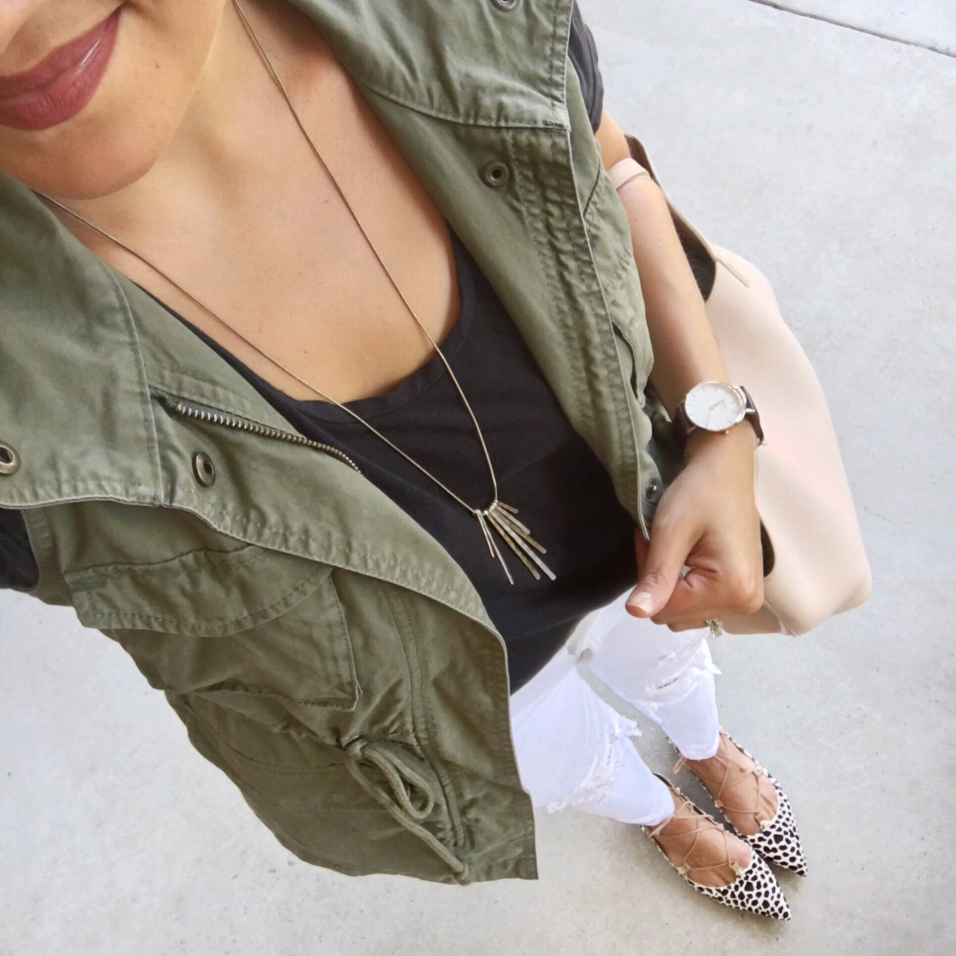White jeans for fall - outfits with cargo vest | www.fizzandfrosting.com