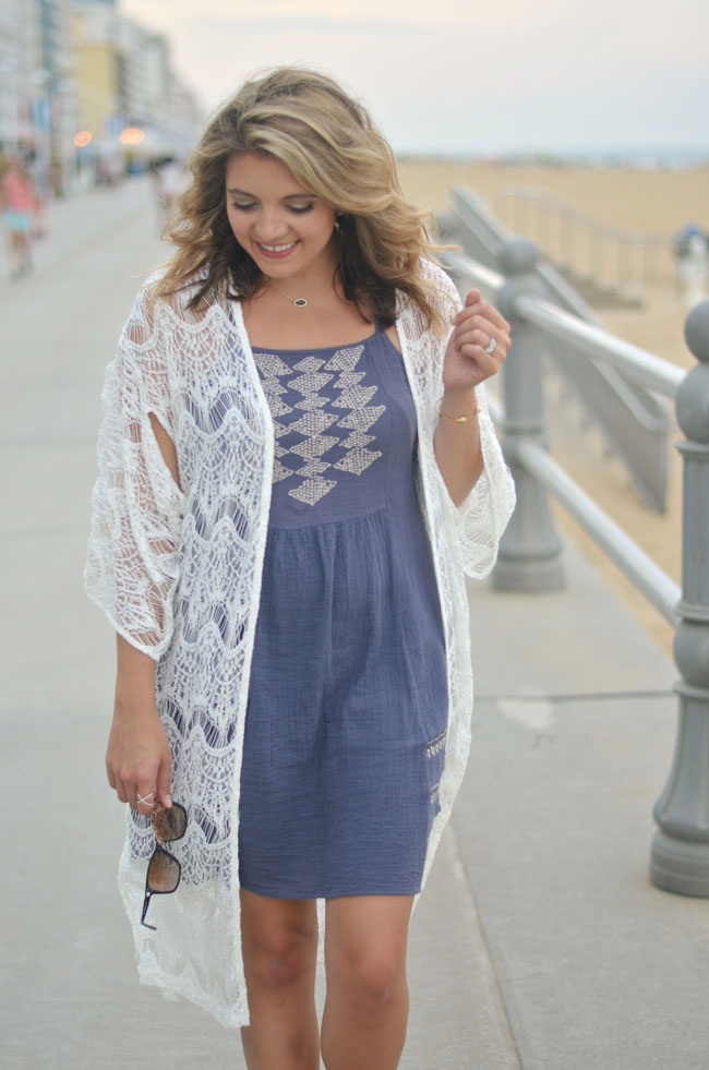beachy outfit - long lace kimono with a sundress | www.fizzandfrosting.com